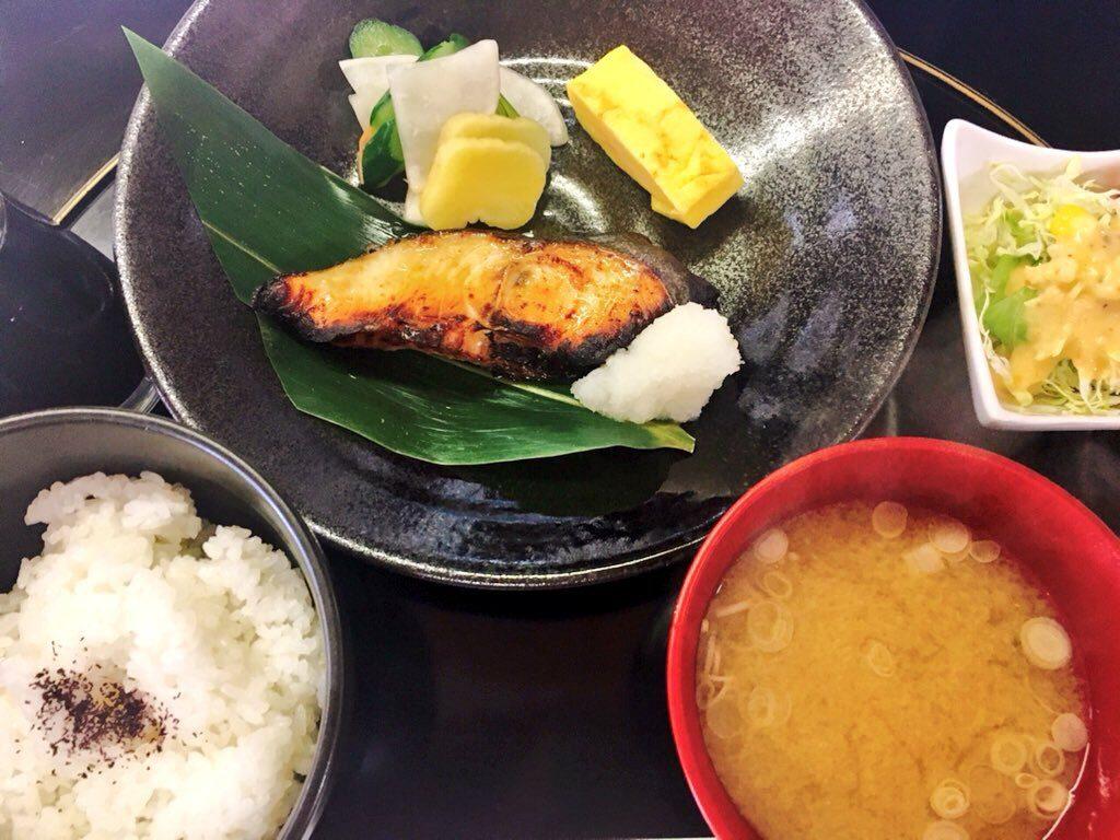 銀鱈の照り焼き